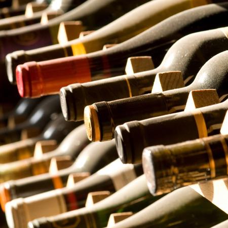 Post Thumbnail of 15 необычных способов открыть бутылку вина, видео