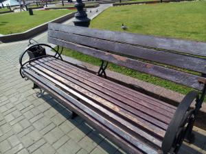 Скамейки на Манежной Площади