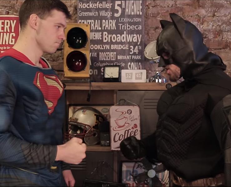 Post Thumbnail of Бэтмен против Супермена. Крутая скетч пародия